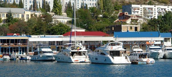 Рисунок 1 - Элитный клуб для владельцев яхт